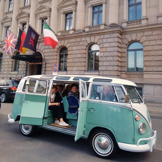 berlin by bulli private sightseeing tours im vw bus t1 samba deluxe. Black Bedroom Furniture Sets. Home Design Ideas